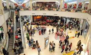 Busy-shopping-centre